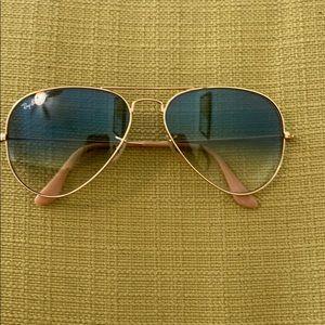 Sunglasses, no case!